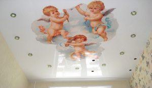 Įtempiamos lubos su Angelais 4